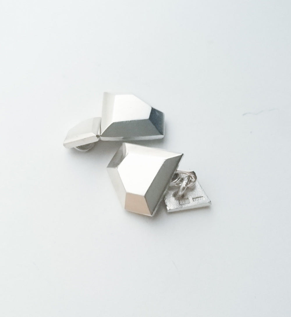 Diamond shaped Cufflinks in Dark Oxidized Silver