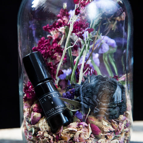 VIOLET WOODS Violet Leaves, Soft Woods, Botanical Perfume Oil