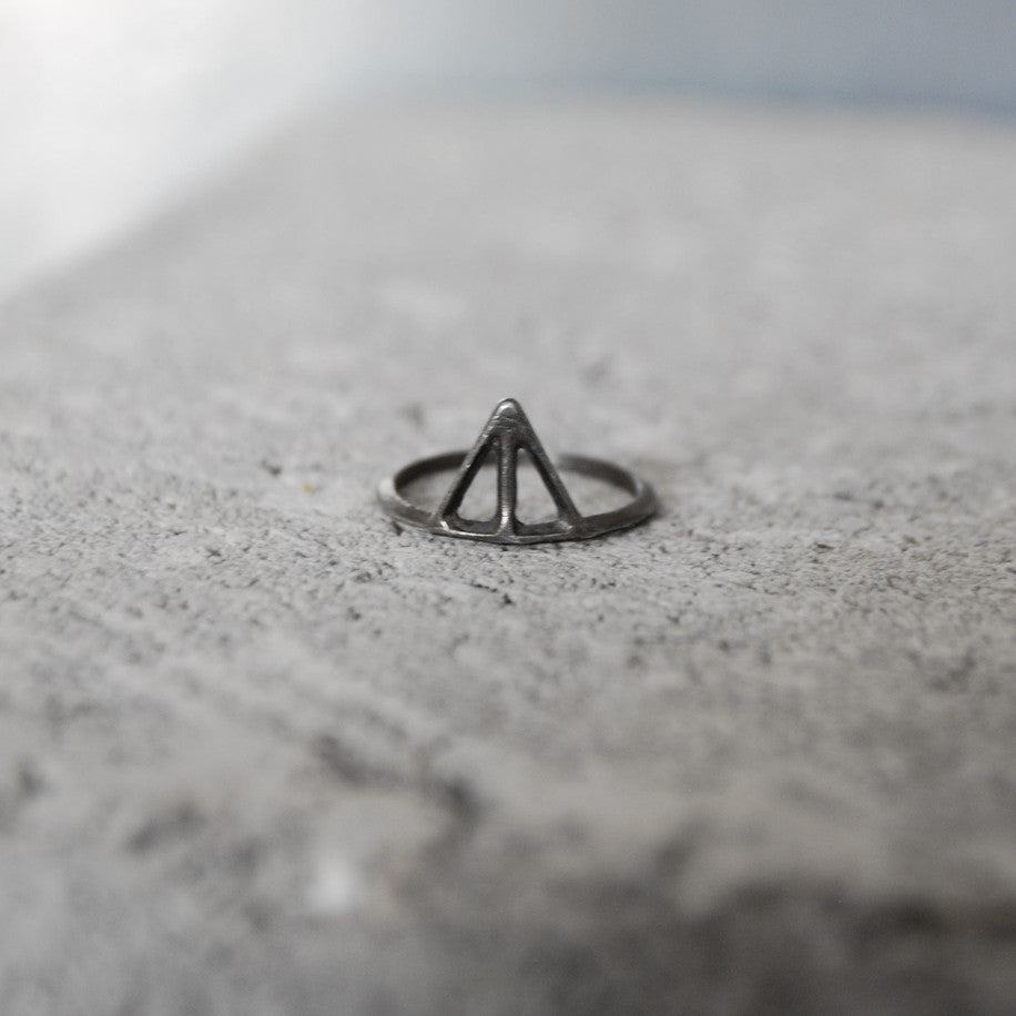 Taika Ring Oxidized Silver