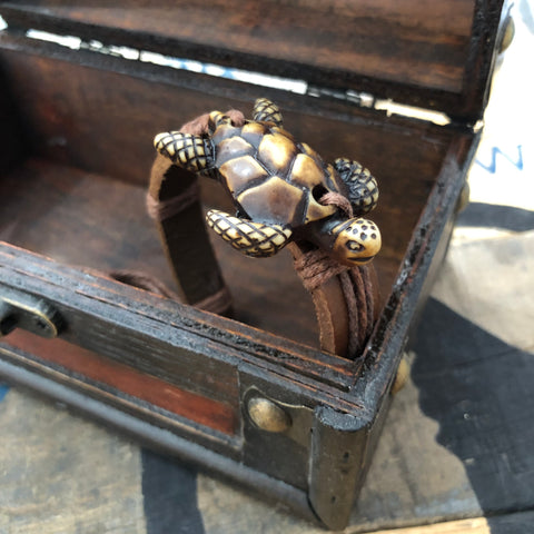The Swimming Turtle Bracelet