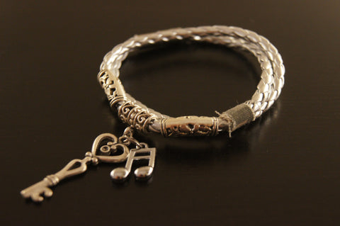 The 2013 Catroom Bracelet