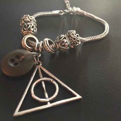 **************************************************************************************************************************************************The LA Comic Con Deathly Hallows Bracelet