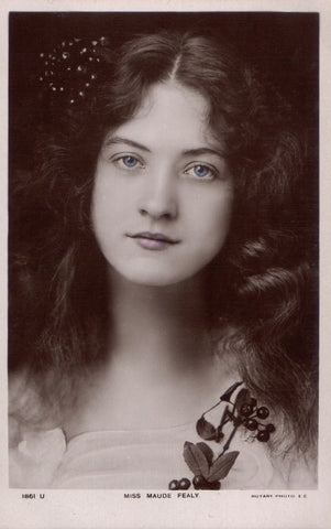 vintage photo postcard of beautiful actress Maude Fealy