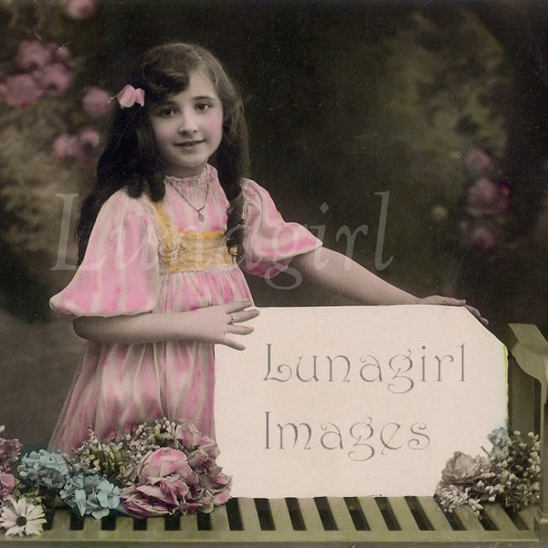 Photo Postcard Blank Labels: 100 Images - Lunagirl