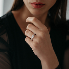 A women wearing a Appelt's Black Label diamond engagement ring.