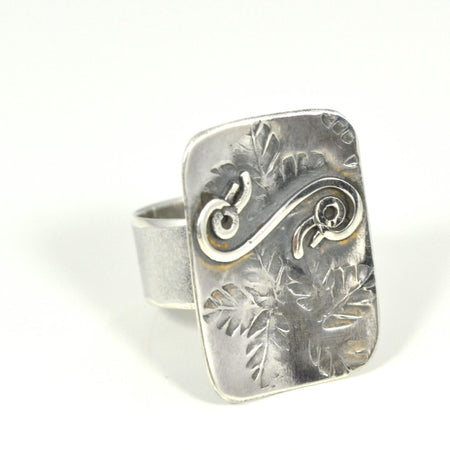 Sterling Silver Flowers and Stones Ring