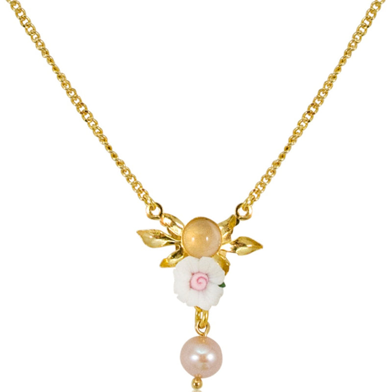 White Flower Pendant Necklace by Eric et Lydie