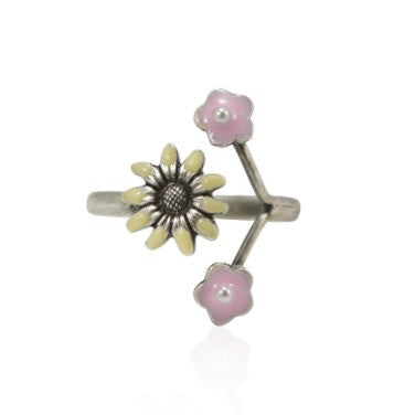 Daisy Ring by Eric et Lydie