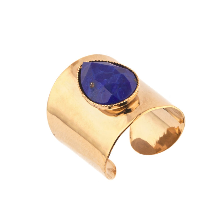 Chic Hammered Metal and Cabochon Adjustable Ring by Satellite Paris