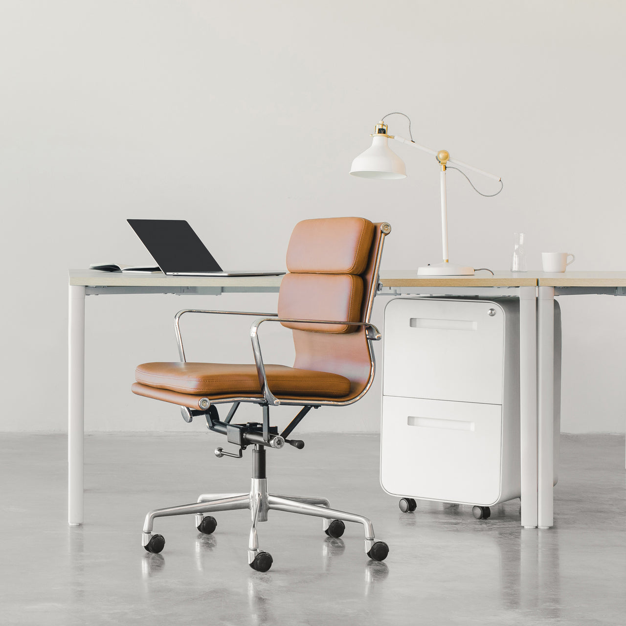 SOHO Soft Pad Management Chair (Brown)