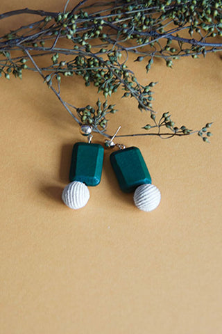 Ellis Eardrops in Green & Beige [22% OFF]
