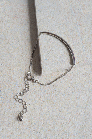 Arch Bar Bracelet in Silver [LAST PIECE]