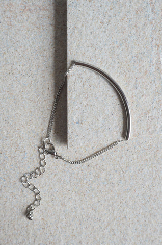 Arch Bar Bracelet in Silver [80% OFF]