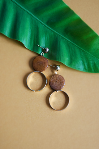 Hasah Wooden Earrings in Green [15% OFF]
