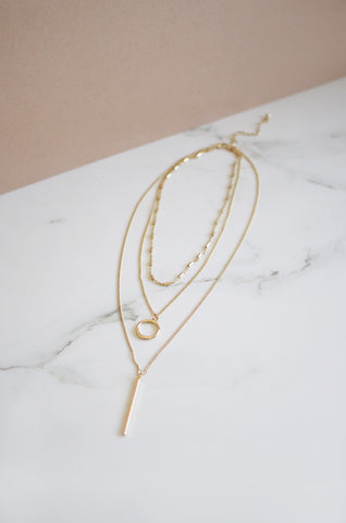 Arlai Choker Set in Gold [21% OFF]