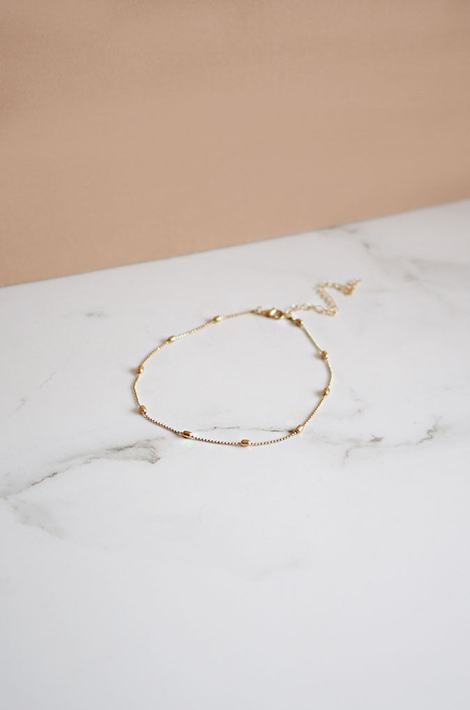 Coir Thin Choker in Gold [20% OFF]