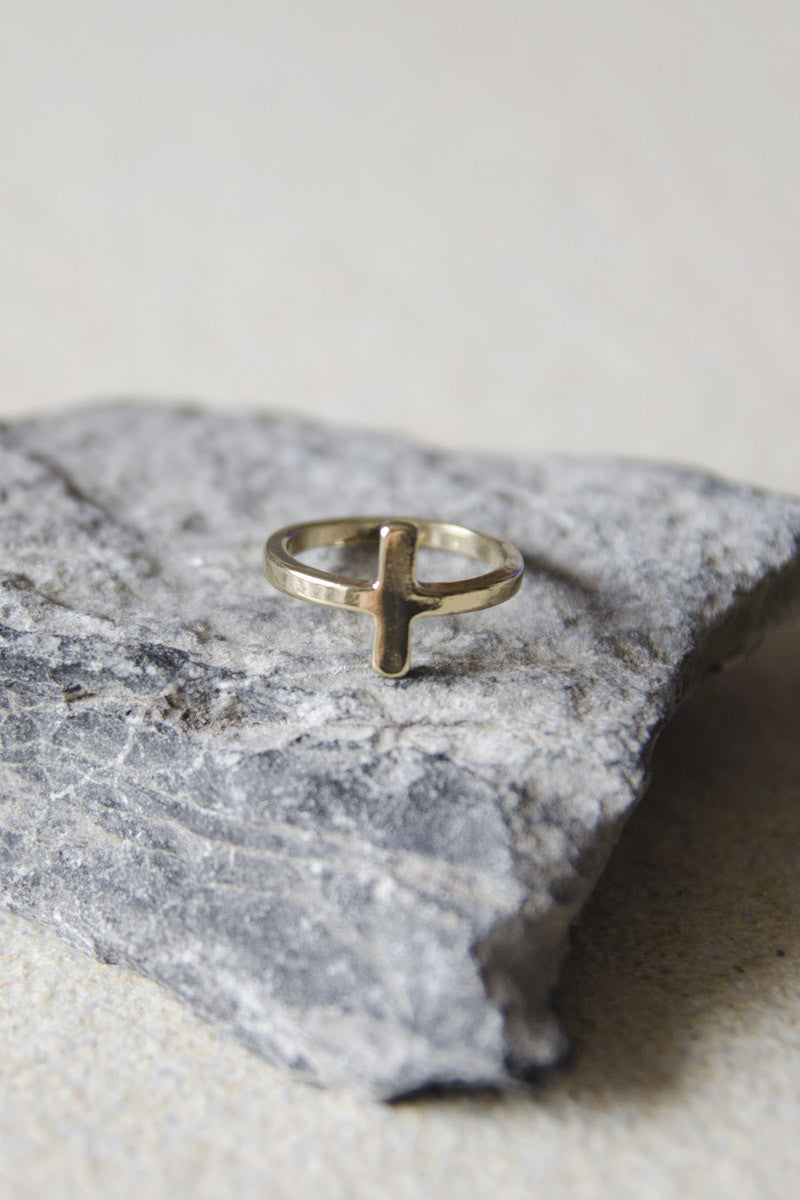 Short Vertical Bar Ring in Gold [LAST PIECE]