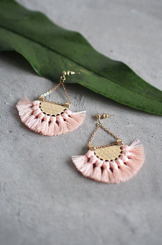 Dhoire Fan Earrings in Peach [BACKORDER]