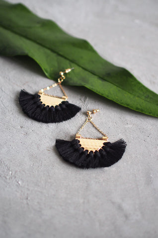 Dhoire Fan Earrings in Black [BACKORDER]