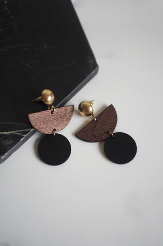 Dru Wooden Earrings in Black