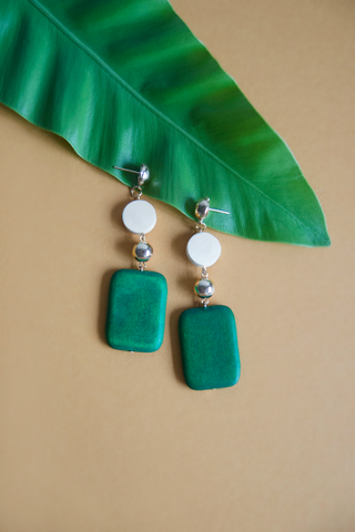 Hasah Wooden Earrings in Green [22% OFF]