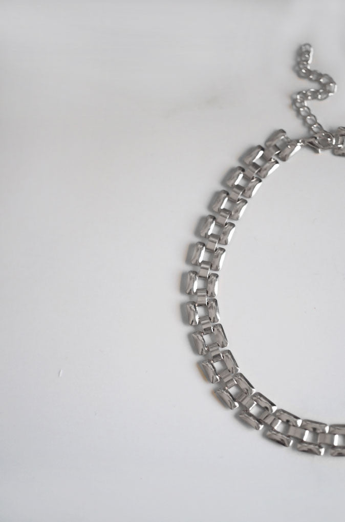 Hra Chain Choker in Silver [27% OFF]