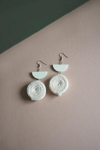 Nai Hemp Earrings in White