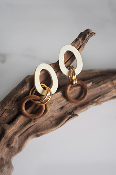 Ni Wooden Earrings in White