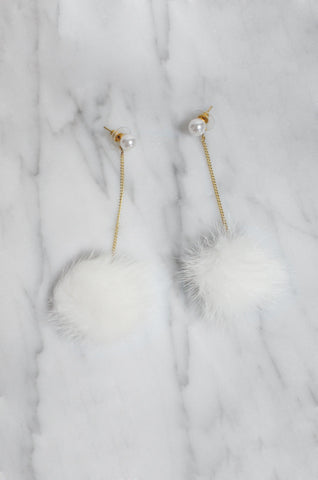Taggloo Ear Poms in White