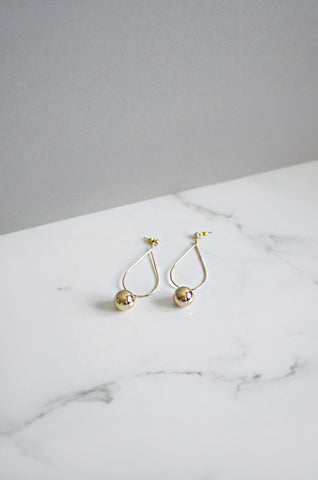Strio Ball Earrings in White, Red and Yellow [35% OFF]