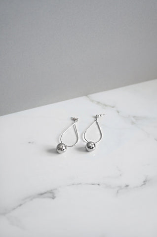 Ti Teardrop Earrings in Silver
