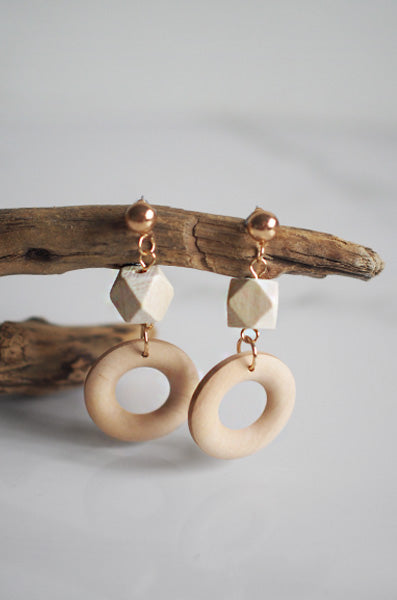 Vach Wooden Earrings in White