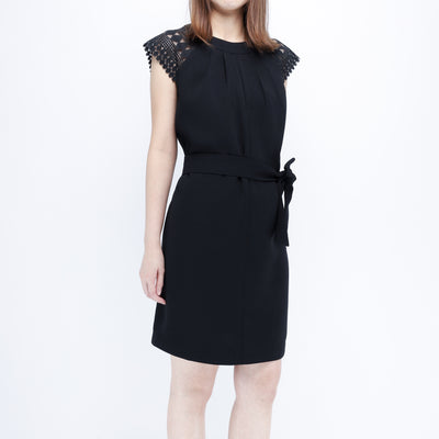Hana lace shoulders black dress