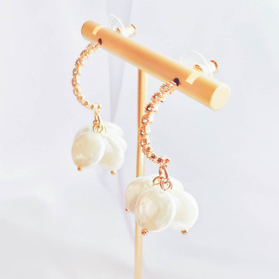 VOY Pearl flower earrings