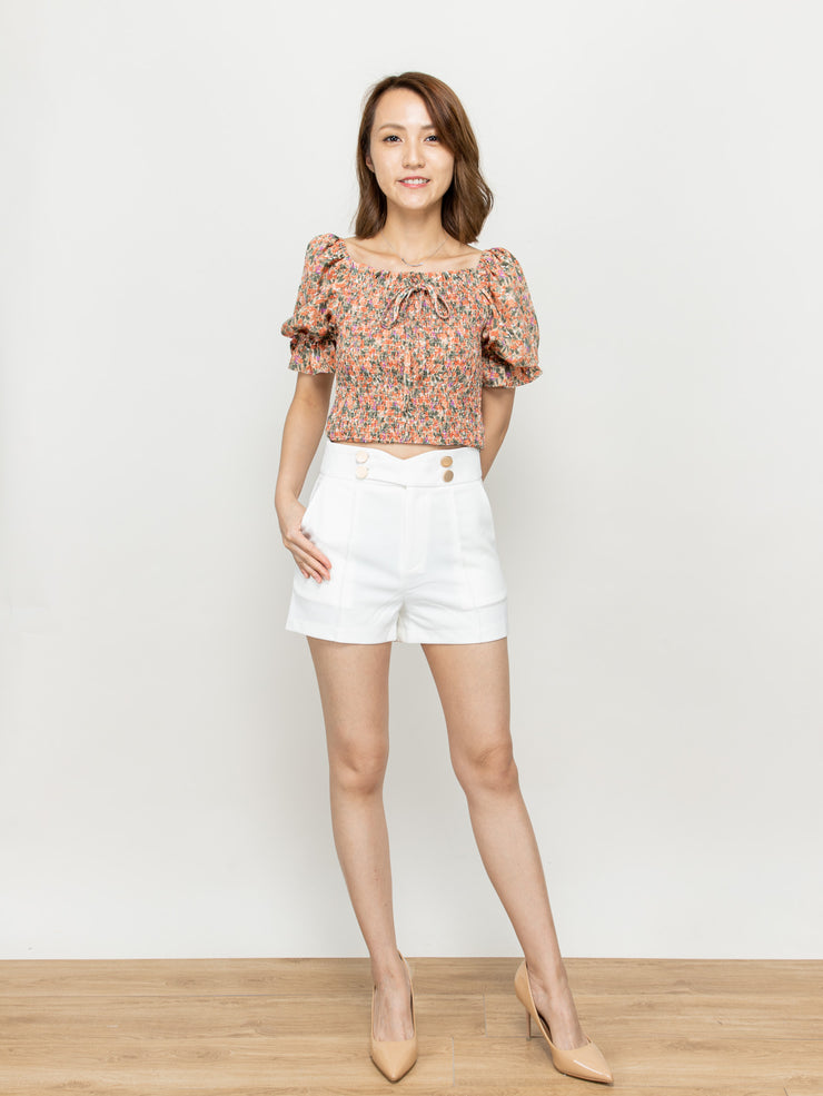 Doris gold buttons short pants