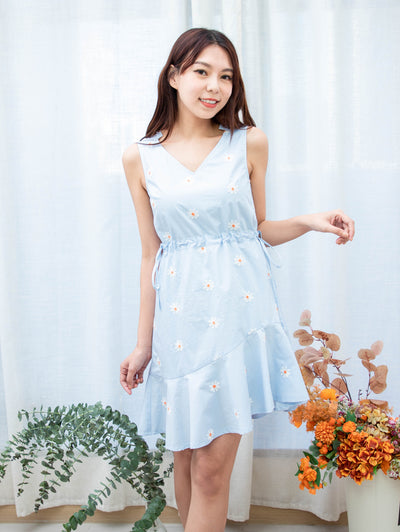 Gaily smile floral blue dress