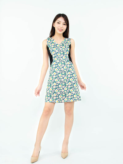 Gaily floral contrast dress