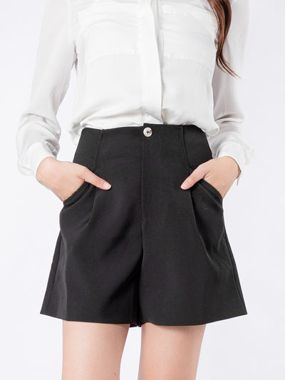 Haylie tailored black short pants