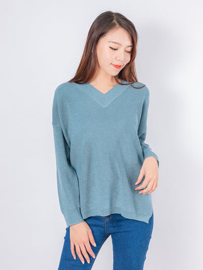 Kylie v neck blue jumper top