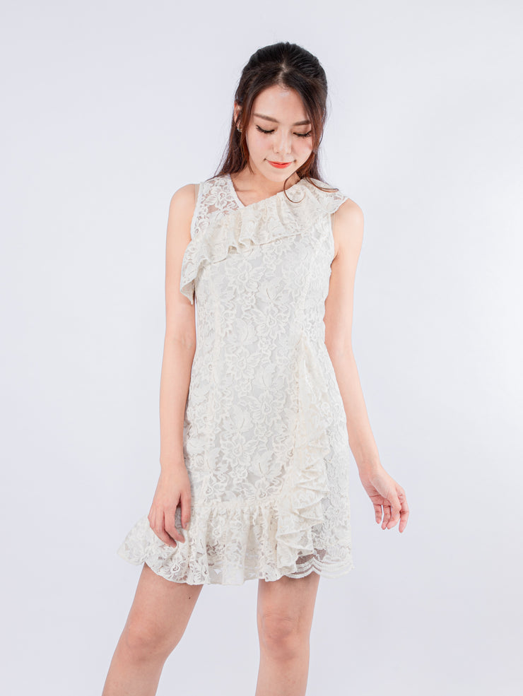 Aria ruffle hem lace dress