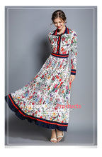 Load image into Gallery viewer, Vintage Floral Pleated Long Sleeve Maxi Dress - zoviana