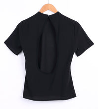 Load image into Gallery viewer, Black Backless Basic Short Sleeve Loose T Shirt - zoviana