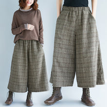Load image into Gallery viewer, Plaid Elastic Waist Calf-Length Wide Leg Loose Pants - zoviana