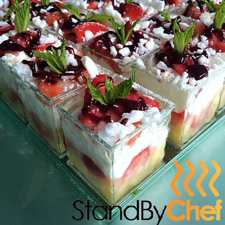 verrine of Eaton Mess for your garden party catering london
