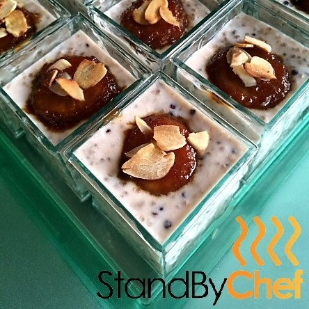 Banana and quinoa in almond milk verrine breakfast canapes for Canape delivery