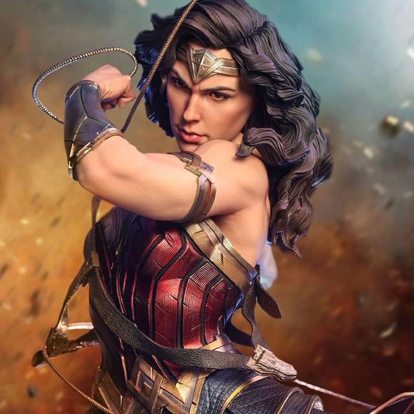 Queens Studio Wonder Woman 1/4 Scale Statue