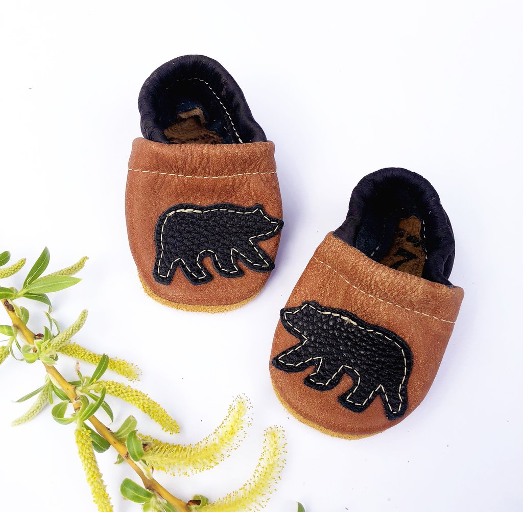 Starry Knight Design Baby Leather Shoes with Design black bear brown