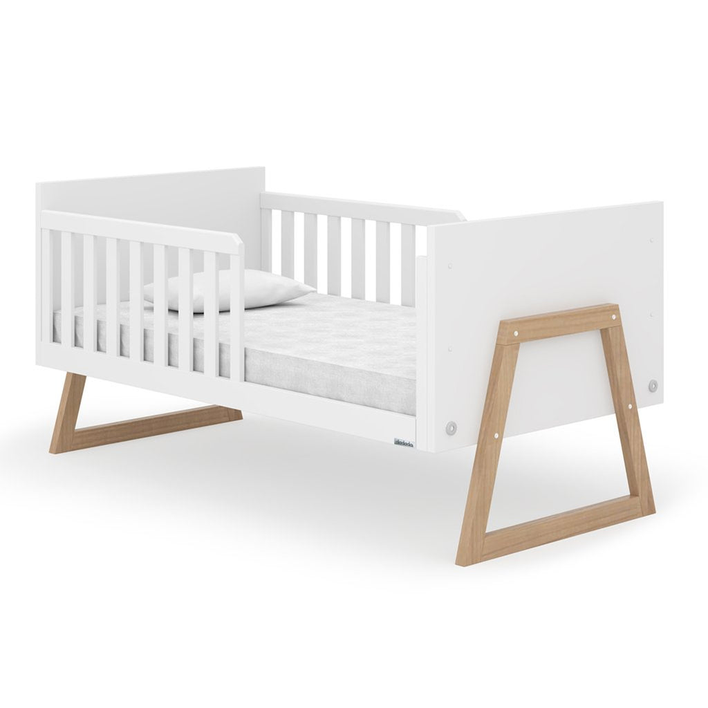 lifestyle_1, dadada White Domino 2-in-1 Convertible Crib to Toddler Bed Furniture