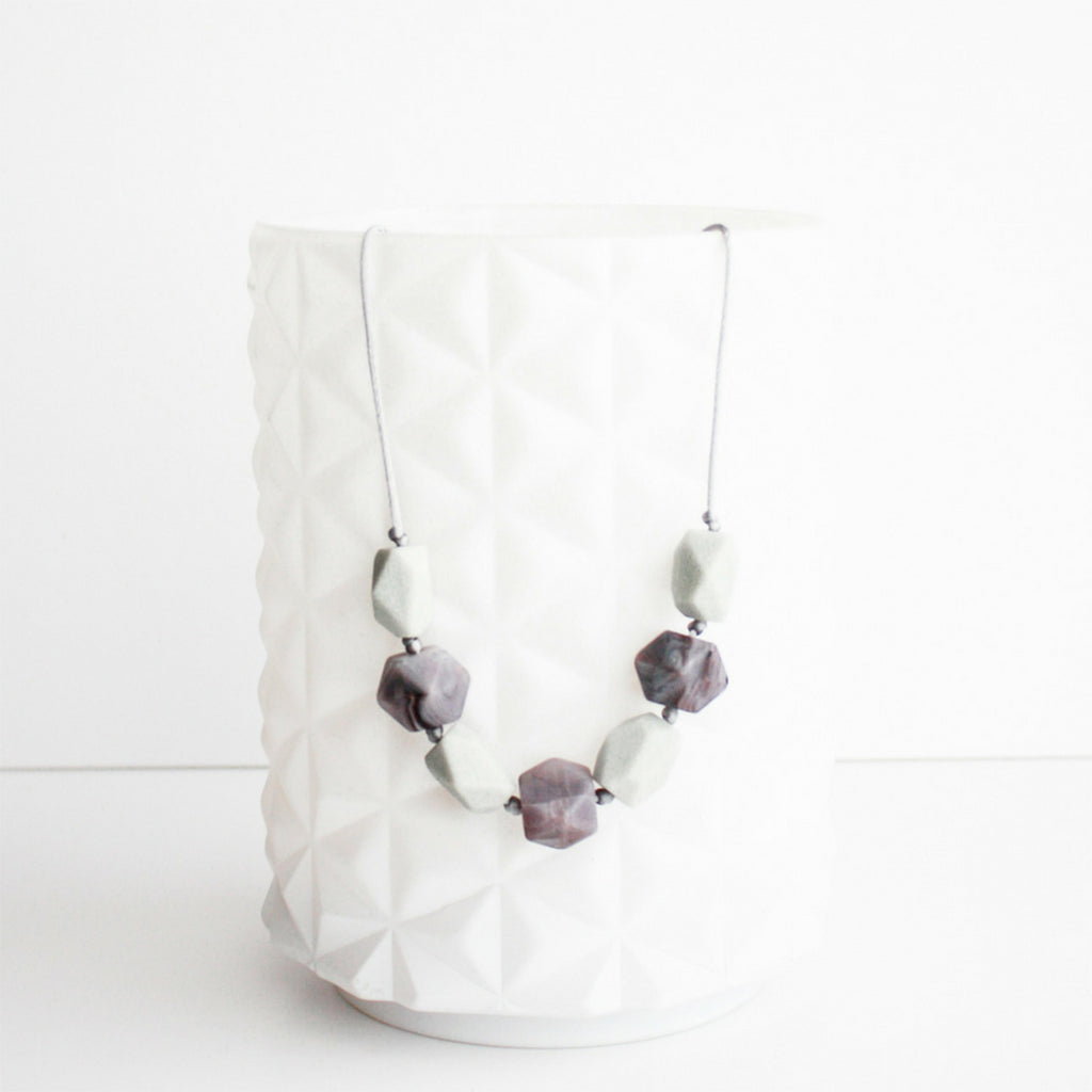 Little Teethers Women's Harper Teething Necklace Jewelry Accessory plum marble powder grey purple white