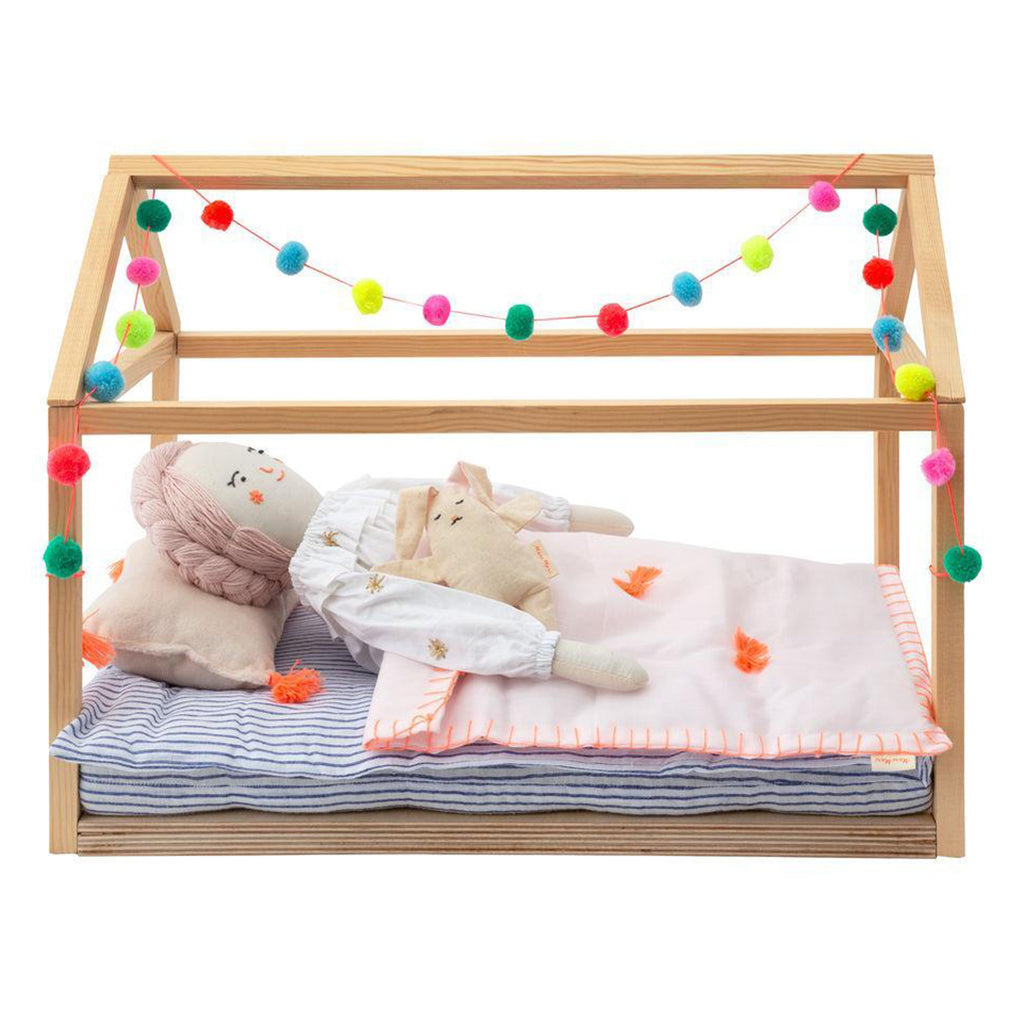 Meri Meri Children's Wooden Bed Dolly Dollhouse Bed Accessory Toy pompom yarn garland multicolored wooden frame